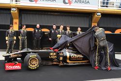 Jan Charouz, Bruno Senna, Gerard Lopez Genii Capital, Lotus Renault GP, Eric Boullier, Team Principal, Lotus Renault GP, Romain Grosjean, Robert Kubica, Lotus Renault GP, Ho-Pin Tung, Vitaly Petrov, Lotus Renault GP