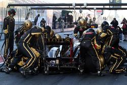 Nick Heidfeld, Lotus Renault GP pit stop practice