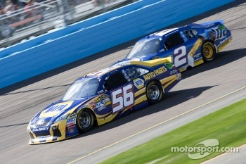 Martin Truex Jr., Michael Waltrip Racing Toyota and Brad Keselowski, Penske Racing Dodge