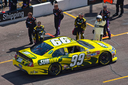 Carl Edwards, Roush Fenway Racing Ford heads to pace laps