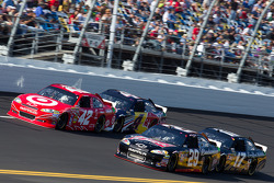 Juan Pablo Montoya, Earnhardt Ganassi Racing Chevrolet, Kevin Harvick, Richard Childress Racing Chevrolet, Kasey Kahne, Red Bull Racing Team Toyota, Matt Kenseth, Roush Fenway Racing Ford