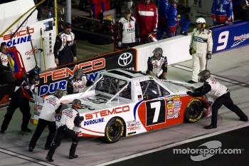 Pit stop for Miguel Paludo, Red Horse Racing Toyota