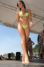 Motorsport.com's grid girl Lauren winner of the bikini contest
