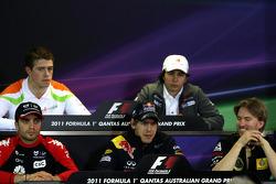 Jérôme d'Ambrosio, Virgin Racing, Sebastian Vettel, Red Bull Racing and Nick Heidfeld, Lotus Renault F1 Team