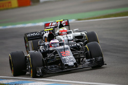 Jenson Button, McLaren MP4-31