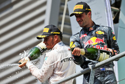 Podium: (L to R): third placed Lewis Hamilton, Mercedes AMG F1 and second placed Daniel Ricciardo, Red Bull Racing celebrate with the champagne on the podium