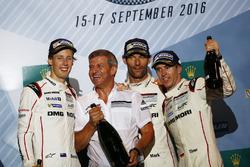 Podium: race winners Timo Bernhard, Mark Webber, Brendon Hartley, Porsche Team, Fritz Enzinger, Vice President LMP1, Porsche Team