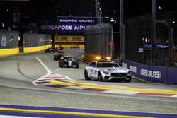 Safety-Car-Phase: Nico Rosberg, Mercedes AMG F1 W07 Hybrid, führt