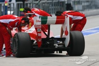 Fernando Alonso, Scuderia Ferrari rear wing and difffuser