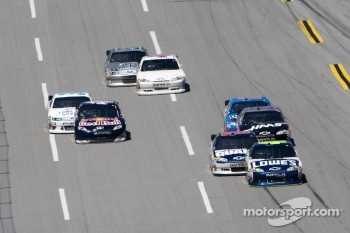 Jimmie Johnson, Hendrick Motorsports Chevrolet leads the pack