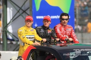 Race winner Mike Conway, second place Dario Franchitti, third place Ryan Briscoe