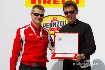 Podium: best performance award to Scott Tucker