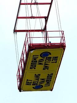 Crane seats above the track
