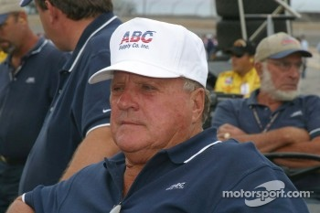 A.J. Foyt is still recovering from his bee stings