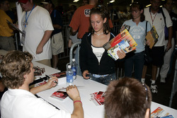 Autograph session: Ryan Briscoe