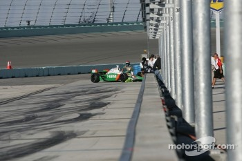 Tony Kanaan in the wall