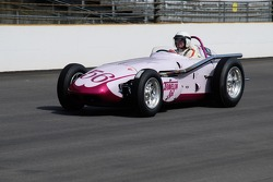Vintage racers: 1960 Travelon Special Watson Roadster