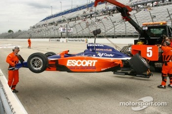 Damaged car of Ryan Briscoe