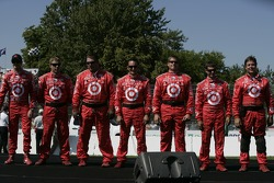 Drivers introduction: Scott Dixon and his team