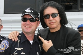 Gene Simmons and an Indianapolis police officer