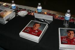 Autograph session: hero cards