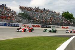 Helio Castroneves leads