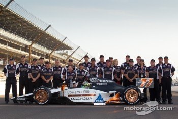 Front row photoshoot: pole winner Alex Tagliani, Sam Schmidt Motorsports with Sam Schmidt and his team