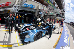 Pit stop for #42 Strakka Racing Honda Performance Development ARX 01: Nick Leventis, Danny Watts, Jonny Kane