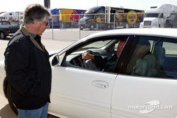 Mario Andretti talks with A.J. Foyt
