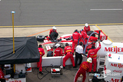 Pitstop for Arie Luyendyk