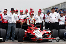 Front row photo shoot: Dan Wheldon