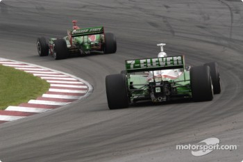 Tony Kanaan trails Adrian Fernandez