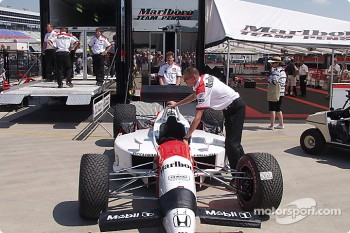 Marlboro Team Penske packing up