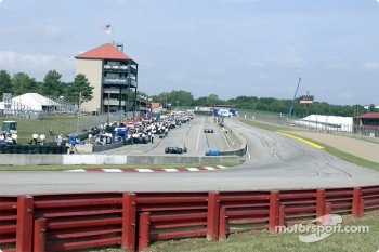 Pitlane and front stretch