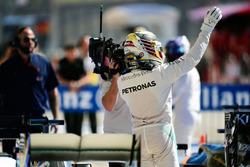 Lewis Hamilton, Mercedes AMG F1 feriert seine Pole Position