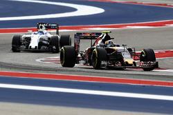 Carlos Sainz Jr., Scuderia Toro Rosso STR11; Felipe Massa, Williams FW38