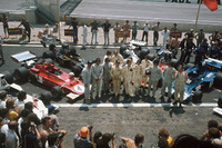 Formula 1 Foto - Graham Hill, George Follmer, Wilson Fittipaldi, Emerson Fittipaldi, Carlos Reutemann, Denny Hulme, Jackie Oliver, Ronnie Peterson, Arturo Merzario, Jody Scheckter, Jackie Stewart e François Cévert