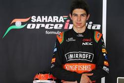 Visita de Esteban Ocon Force India