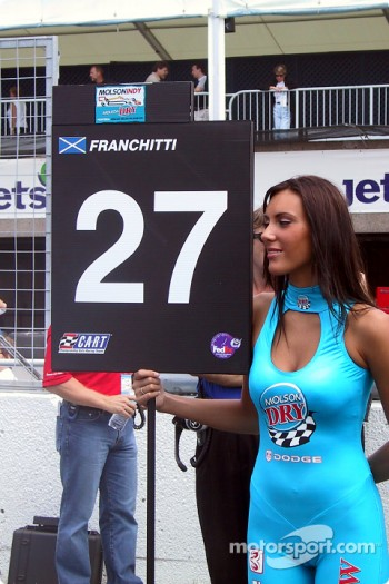 Dario's grid girl