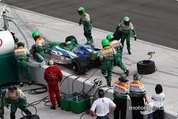 Pitstop for Mario Dominguez