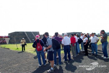 Visit at Teotihuacan pyramids: CART group