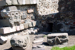 Visit at Teotihuacan pyramids: Stonework outside temple