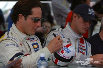 Drivers autograph session: Mario Dominguez and Ryan Hunter-Reay