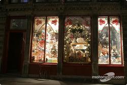 Montréal nightlights: Christmas in August