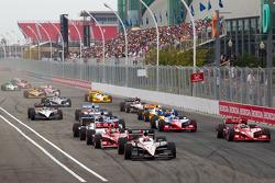 Restart: Will Power, Team Penske leads the field