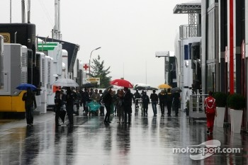 Paddock atmosphere, rain