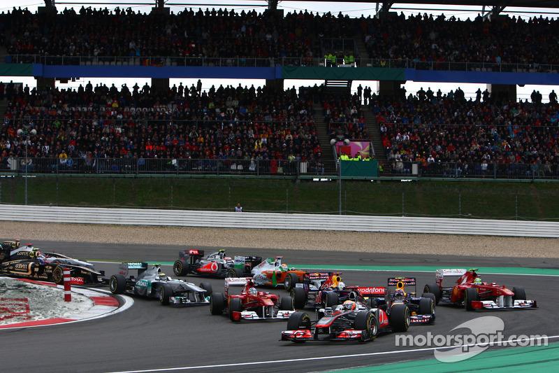 Start of the race, Lewis Hamilton, McLaren Mercedes