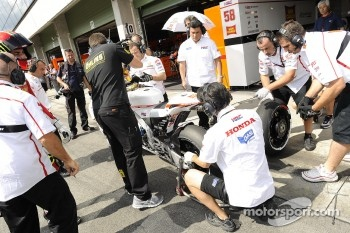 San Carlo Honda Gresini team members at work
