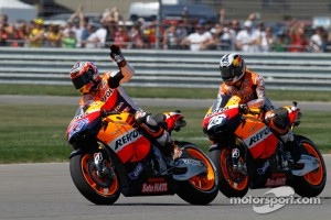Race winner Casey Stoner, Repsol Honda Team with second place Dani Pedrosa, Repsol Honda Team