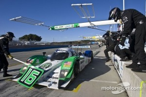 Pit stop for #16 Dyson Racing Team Lola B09/86: Chris Dyson, Guy Smith, Jay Cochran